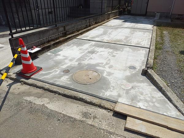 下水切替・駐車場舗装工事