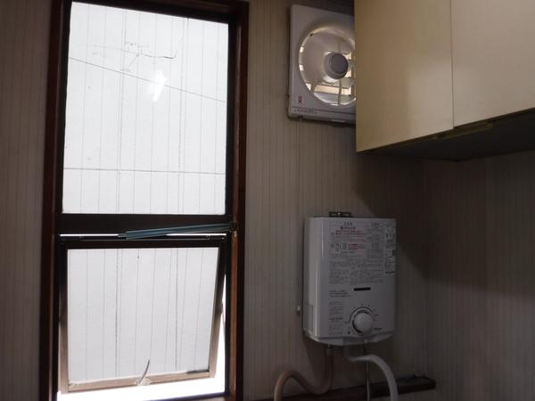湯沸かし器・換気扇の交換